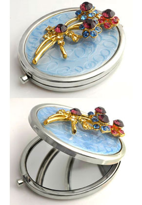 www.misstella.com - Metal pocket-mirror with flowers, epoxy and strass 77x59mm