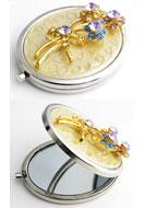 www.misstella.nl - Metalen zakspiegel met bloemen, epoxy en strass 77x59mm - E00798