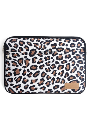 www.misstella.nl - Misstella laptop sleeve 16 inch met panterprint 42x30x2,5cm