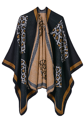 www.misstella.com - Open poncho/cape with panther print 150x130cm