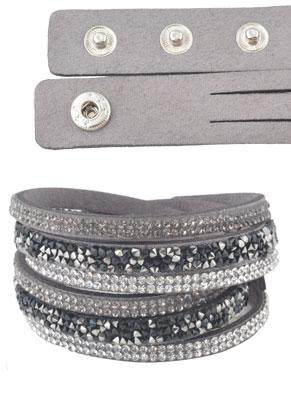 www.misstella.nl - Kunstsuede wikkelarmband met strass 17-19cm