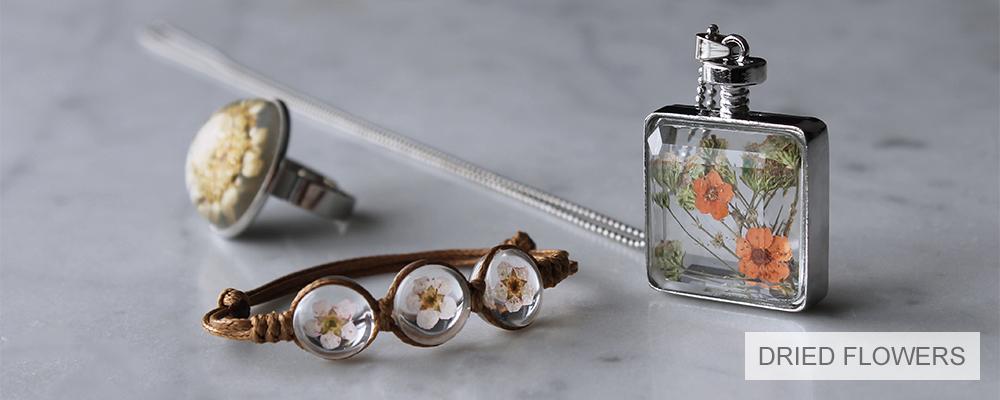 www.misstella.com - Jewelry with dried flowers