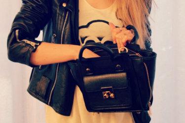 ANN' SO M sur un sac noir Misstella
