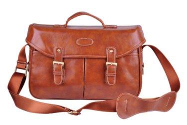 Croque Madame sur un sac marron pour appareil photo