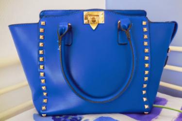 Leuke review MissBeautyFreak over stoere blauwe handtas
