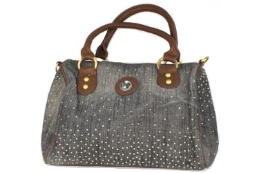 Mondo di Cinzia about a jeans handbag
